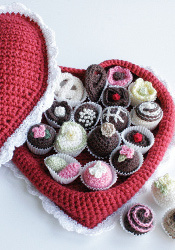 amazing-crochet-valentines-chocolates