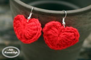 small-crochet-heart-earrings